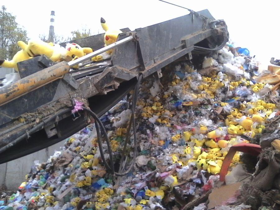 Likvidácia zadržaného tovaru, colníci spálili viac 21 000 kusov napodobenín, foto 3