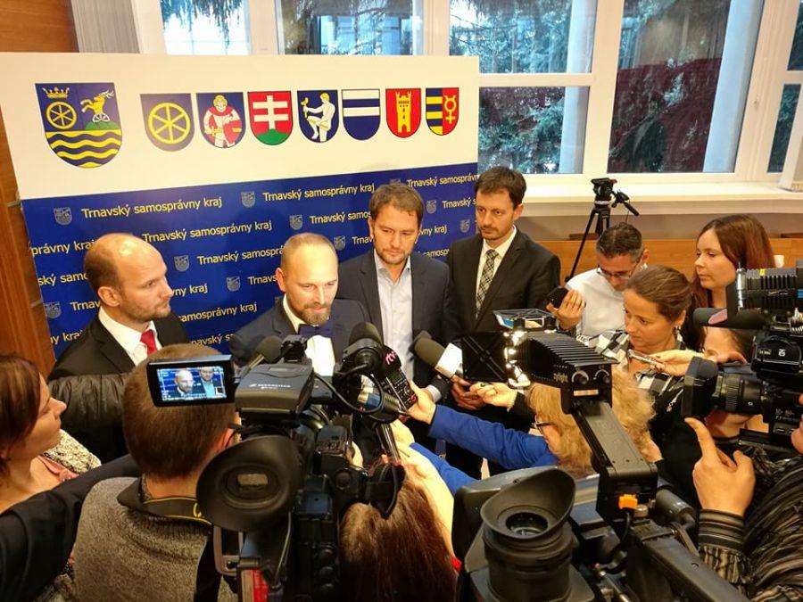 Jozef Viskupič včera zložil sľub a prevzal mandát predsedu Trnavského samosprávneho kraja, foto 1