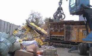 Likvidácia zadržaného tovaru, colníci spálili viac 21 000 kusov napodobenín