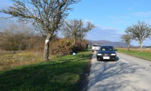 Zrážka osobného auta Audi A6 s chodcom, vodičovi zadržali vodičský preukaz