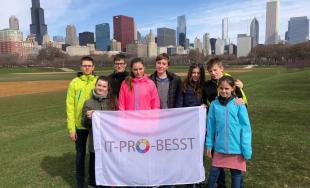9 žiakov z Trnavy sina medzinárodnej súťaži v robotike v americkom Detroite vybojovali 3. miesto