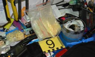 Pri Zavare a Majcichove prebehlo odovzdávanie drog, obchod prekazila NAKA a policajti z KR PZ Trnava