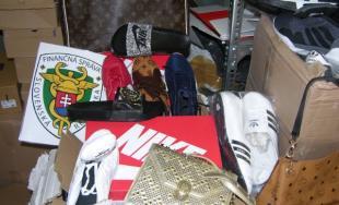 Trnavskí colníci pri kontrole tovaru v Brodskom zadržali ďalšie falzifikáty svetových značiek