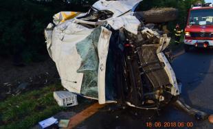 NA D1 pri Trnave sa zrazil kamión s dodávkou, 28-ročný vodič skončil v nemocnici